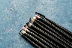 Installi della fine cosmetica della spazzola di trucco fotografie stock libere da diritti