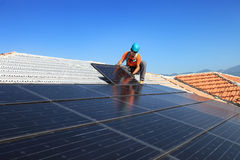 Installing photovoltaic solar panels