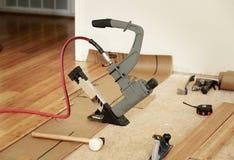 Instalować drewno podłoga Obrazy Stock