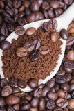 Instant coffee and coffee beans Royalty Free Stock Photos