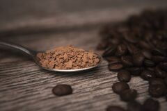 Free Instant Coffee ON A Spoon Royalty Free Stock Photo - 177499105