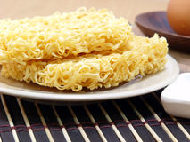Instant noddle and egg Stock Photography