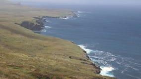 Instaurazione del colpo, linea costiera dell'oceano, Irlanda video d archivio