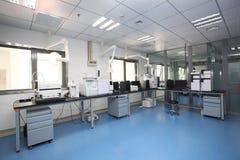 Instituciones de investigación médica del laboratorio de la célula Fotos de archivo libres de regalías