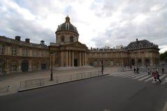 Institut de Γαλλία, Γαλλία, Pont des Arts, ουρανός, ορόσημο, παλάτι, πλατεία της πόλης Στοκ φωτογραφία με δικαίωμα ελεύθερης χρήσης