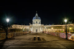 Institut de France y Pont des Arts imagen de archivo