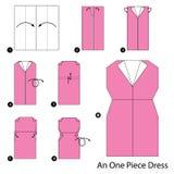 Instrucciones paso a paso cómo hacer papiroflexia un vestido de una pieza Imagen de archivo