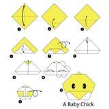 Instrucciones paso a paso cómo hacer el polluelo del bebé de la papiroflexia Imagen de archivo libre de regalías