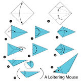 Instrucciones paso a paso cómo hacer el ratón de callejeo de la papiroflexia A Imágenes de archivo libres de regalías