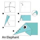 Instrucciones paso a paso cómo hacer papiroflexia un elefante Imagenes de archivo