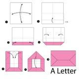 Instrucciones paso a paso cómo hacer papiroflexia una letra Imagen de archivo libre de regalías