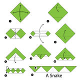 Instrucciones paso a paso cómo hacer papiroflexia una serpiente Imagen de archivo