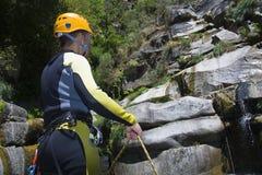 Instructeur de descente de canyon Image libre de droits