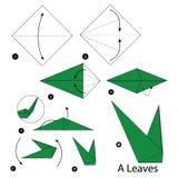 Instructions étape-par-étape comment faire origami des feuilles Photos libres de droits