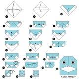 Instructions étape-par-étape comment faire à origami un pingouin de causerie Images libres de droits