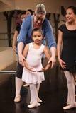 Instructor con el bailarín joven Fotografía de archivo libre de regalías