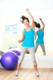Instructor de la danza de la aptitud del zumba de los aeróbicos de la gimnasia Foto de archivo libre de regalías