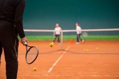 Instructor del tenis Fotos de archivo libres de regalías
