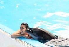 Instructor Girl del delfín Foto de archivo