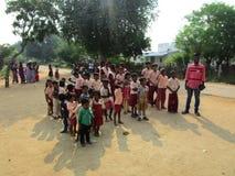 Instruisez les étudiants dans l'uniforme pour l'Inde de célébration de Jour de la Déclaration d'Indépendance de république Photographie stock libre de droits