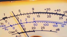 Instrument d'affichage de cadran du mètre de niveau d'émetteur-récepteur et de signal banque de vidéos
