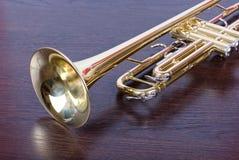 Instrument de musique de trompette photographie stock