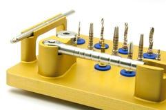 Instrument für zahnmedizinisches implantology lizenzfreie stockbilder
