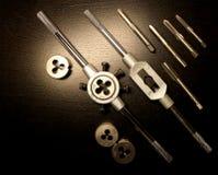 instrument Hjälpmedel för att draga En uppsättning av klapp och dör för dragning Royaltyfri Fotografi