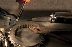 Instrument och hjälpmedel för att arbeta på mekaniska delar Arkivfoton