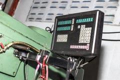 Instrumentbrädamalning och borra maskiner arkivfoton