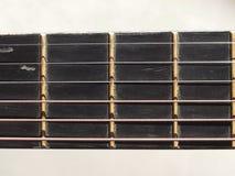 Instrumento atado de la guitarra acústica Foto de archivo libre de regalías