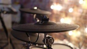 Instrumento de percusión musical en la etapa almacen de metraje de vídeo