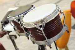 Instrumento de percussão cubano - bongos Imagens de Stock Royalty Free