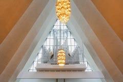 Instrumento del órgano dentro de la catedral ártica imágenes de archivo libres de regalías