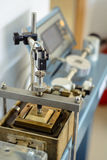 Instrumento direto da tesoura do equipamento de análise laboratorial foto de stock royalty free
