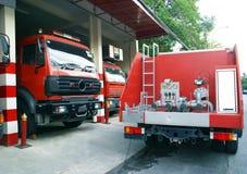 Instrumento do fogo viaturas de incêndio caminhões do fogo foto de stock