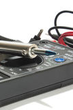 Instrumento do multímetro com fios no fundo branco Fotos de Stock Royalty Free