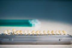 Instrumento estomatológico en la clínica de los dentistas Fotos de archivo libres de regalías