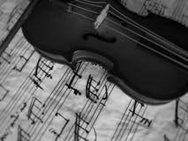 Instrumento musical atado Violine foto de archivo