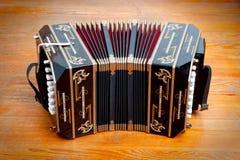 Instrumento musical del tango tradicional, llamado bandoneon. Foto de archivo libre de regalías