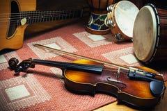 Instrumentos acústicos de la música tradicional Fotos de archivo libres de regalías