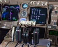 Instrumentos da cabina do piloto do avião Foto de Stock Royalty Free