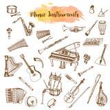 Instrumentos de música, ejemplo dibujado mano en estilo del garabato Piaono, violín, guitarra y saxofón del vintage Musical grand stock de ilustración