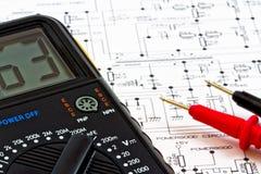 Instrumentos de medição e diagrama elétrico Fotos de Stock Royalty Free