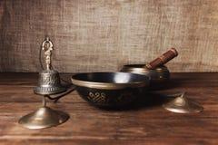 Instrumentos de Tibetian para la meditación de la música fotografía de archivo libre de regalías