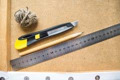 Instrumentos en el escritorio Fotografía de archivo libre de regalías