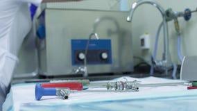 Instrumentos médicos estéril almacen de metraje de vídeo