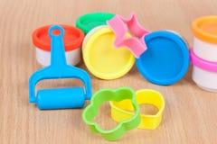 Instrumentos para jogar com massa do molde Fotografia de Stock