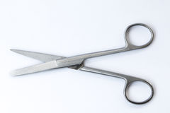 Instrumentos quirúrgicos y herramientas incluyendo Imagen de archivo libre de regalías