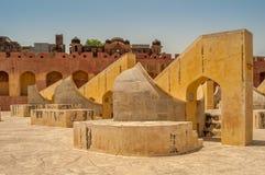 Instruments d'astronomie en Jantar Mantar photos stock